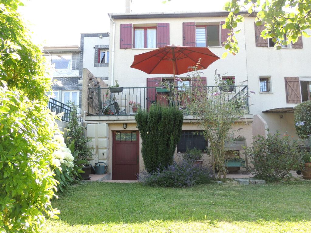 Maison à vendre 4 106m2 à Sevran vignette-1