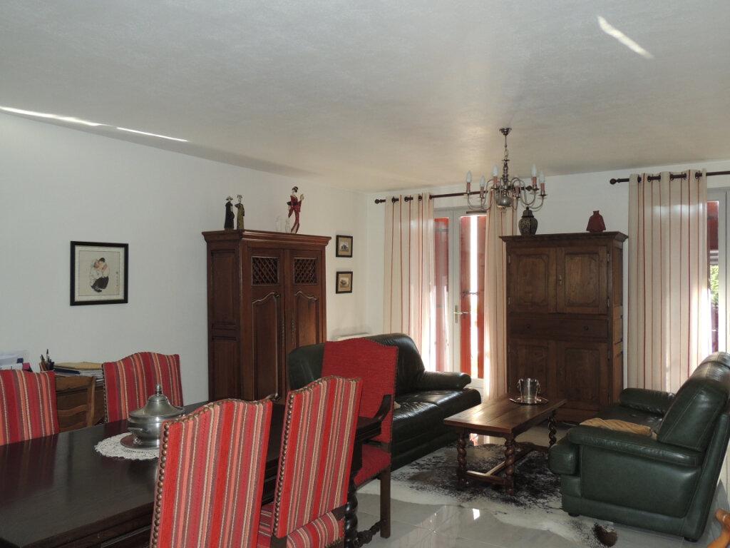 Maison à vendre 4 106m2 à Sevran vignette-3