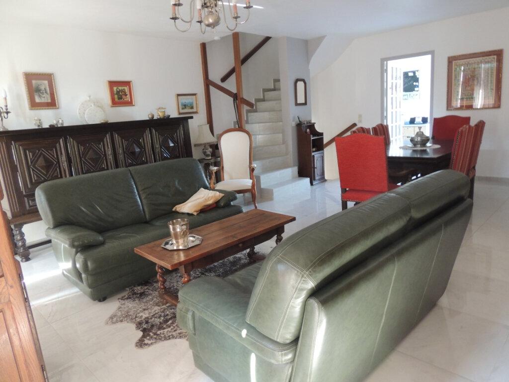 Maison à vendre 4 106m2 à Sevran vignette-4