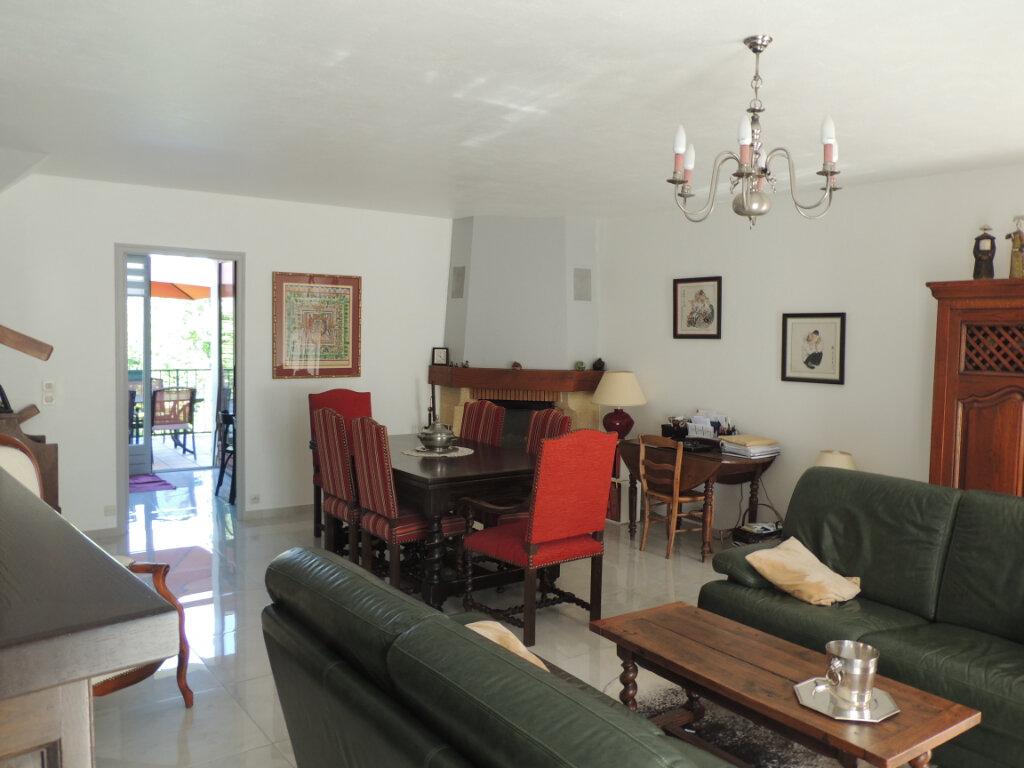 Maison à vendre 4 106m2 à Sevran vignette-5