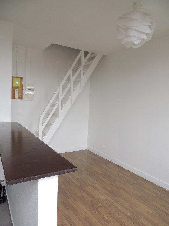 Appartement à louer 2 24.39m2 à Livry-Gargan vignette-1