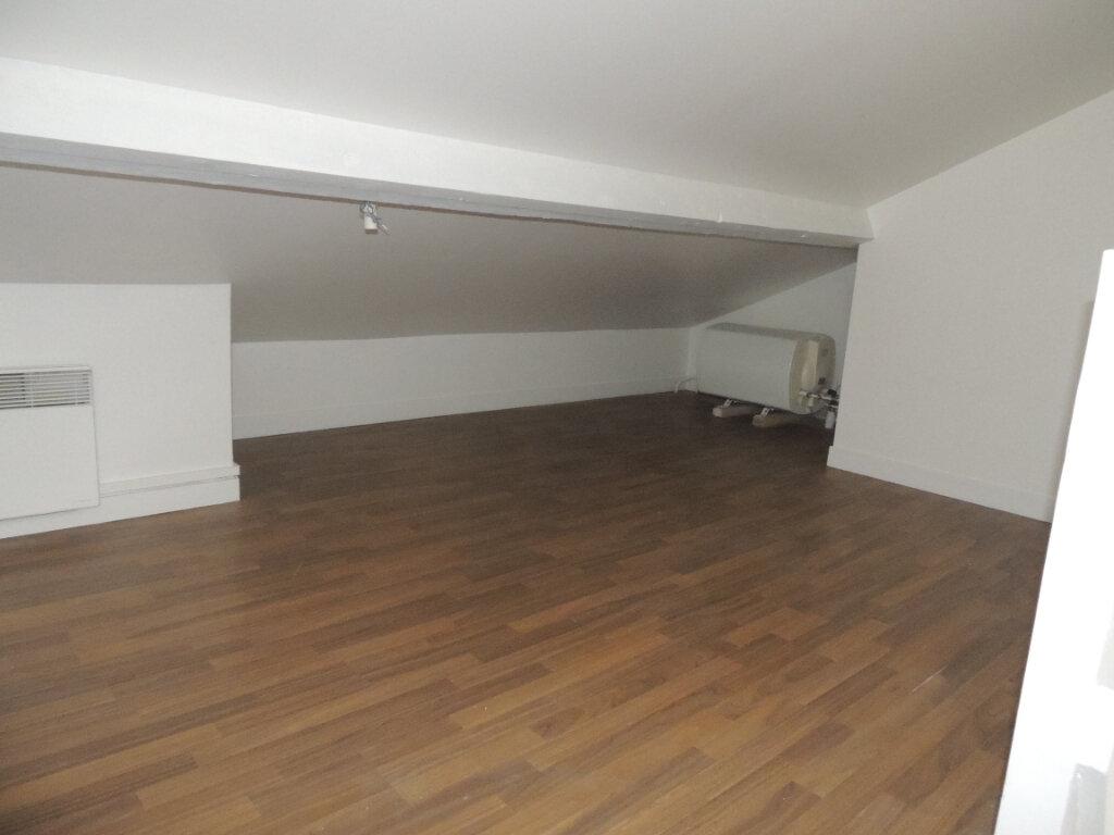 Appartement à louer 2 24.39m2 à Livry-Gargan vignette-3