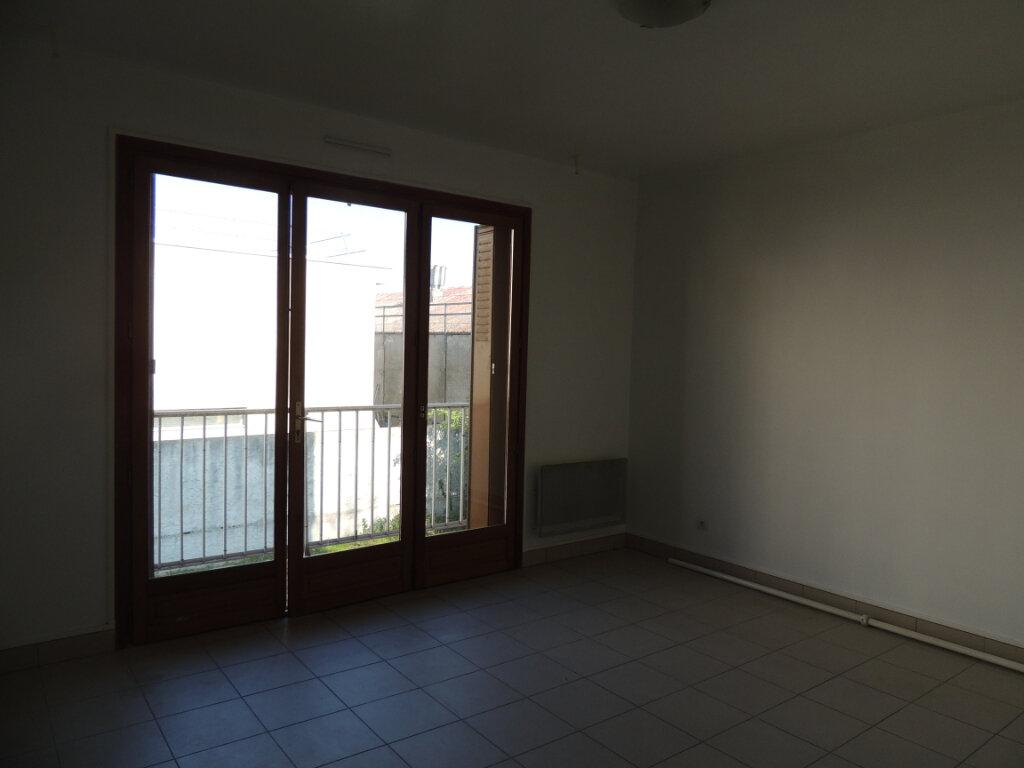 Appartement à vendre 1 26.15m2 à Livry-Gargan vignette-1