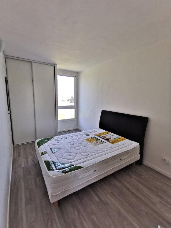 Appartement à louer 4 64m2 à Livry-Gargan vignette-4
