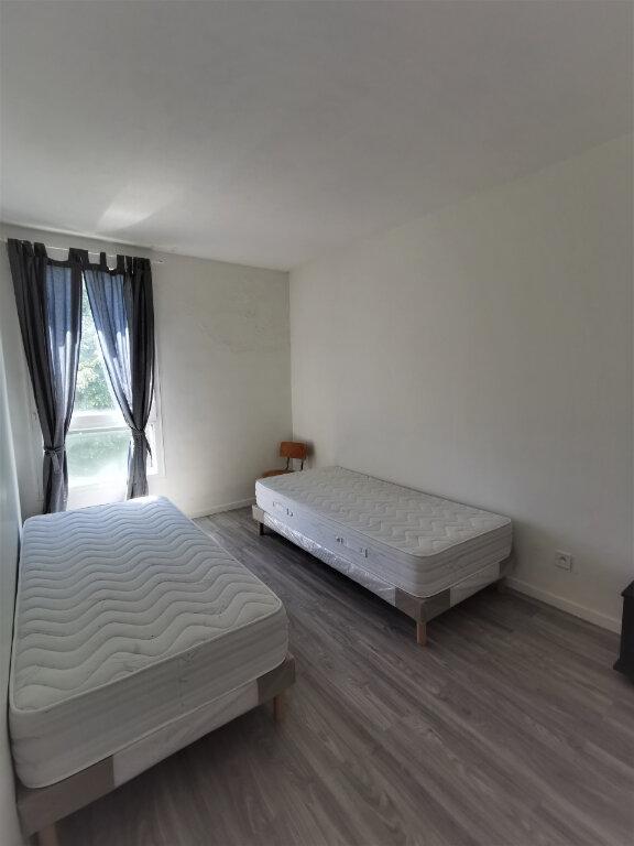 Appartement à louer 4 64m2 à Livry-Gargan vignette-5