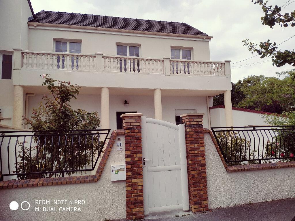 Maison à louer 4 90m2 à Villepinte vignette-1