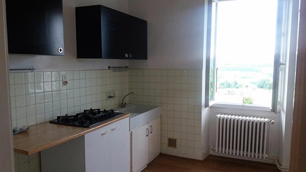Appartement à louer 3 65m2 à Cruseilles vignette-2