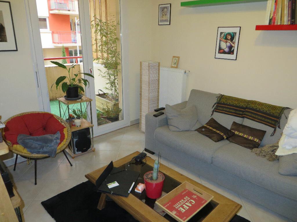 Appartement à louer 2 49m2 à Cruseilles vignette-4
