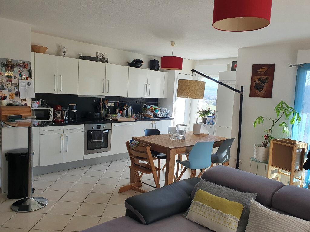 Appartement à louer 4 81.4m2 à Allonzier-la-Caille vignette-1