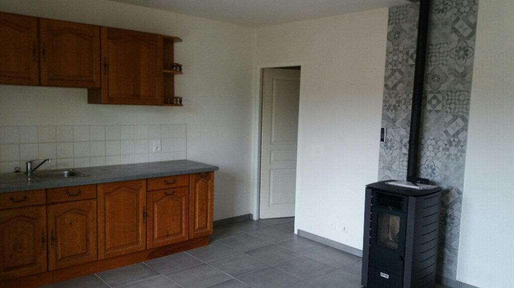 Appartement à louer 2 40m2 à Cuvat vignette-1