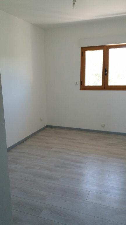 Appartement à louer 2 40m2 à Cuvat vignette-3