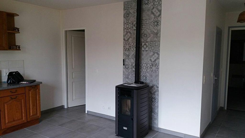 Appartement à louer 2 40m2 à Cuvat vignette-5
