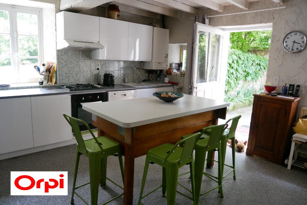 Maison à vendre 5 100m2 à Saint-Didier-de-la-Tour vignette-5