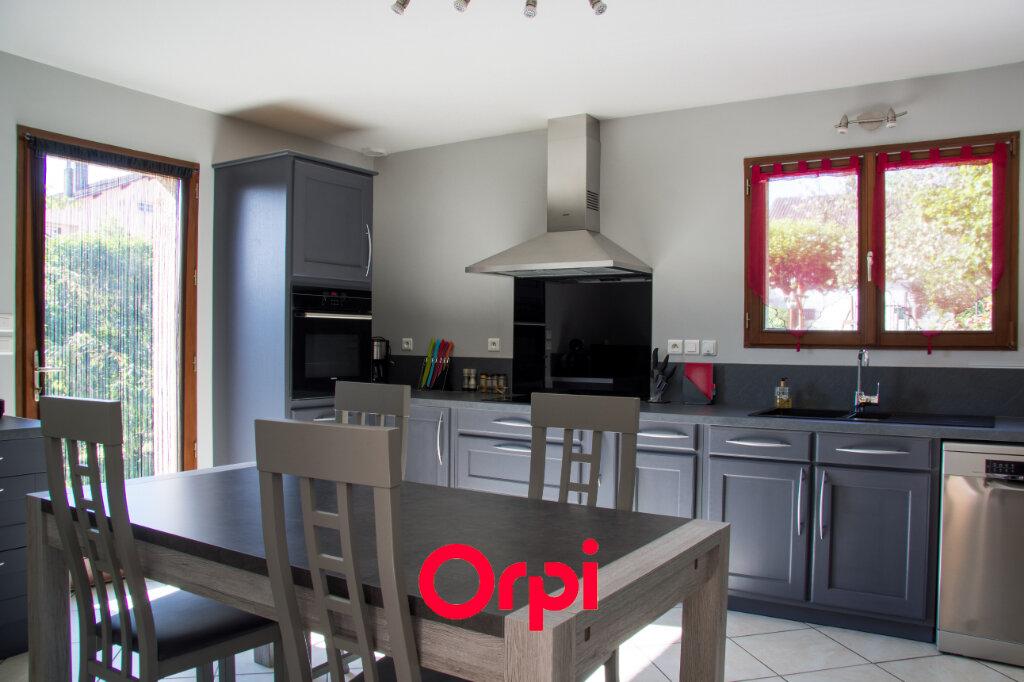 Maison à vendre 5 136m2 à Les Avenières vignette-3