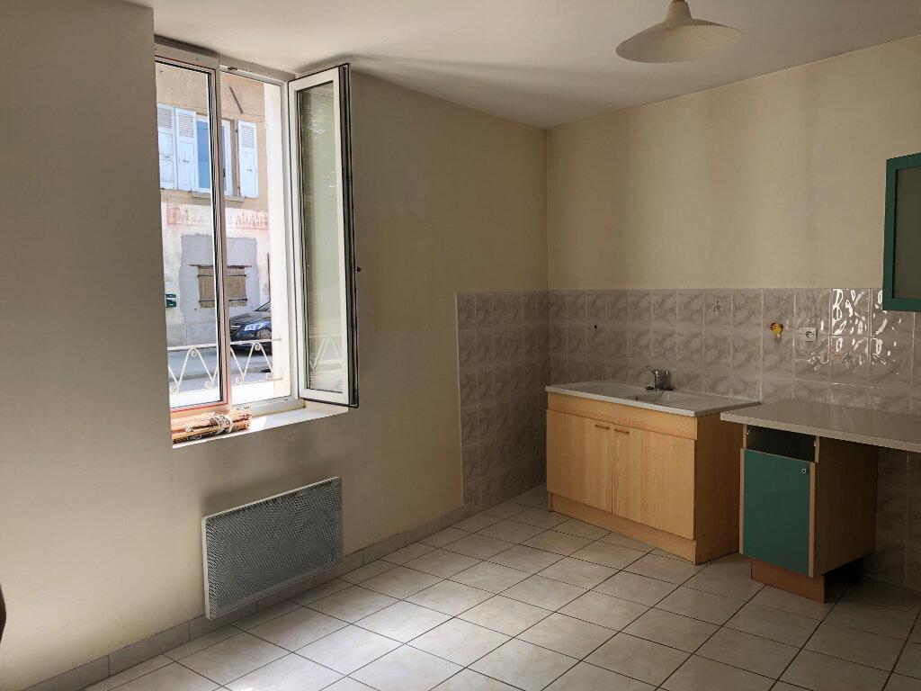 Appartement à louer 3 90m2 à Morestel vignette-1