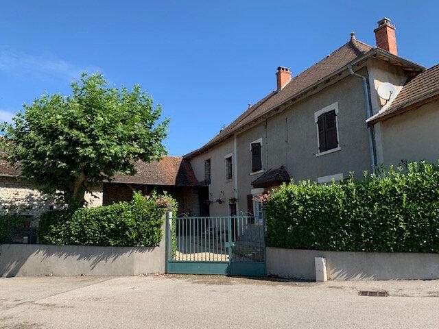 Maison à vendre 4 113m2 à Morestel vignette-1