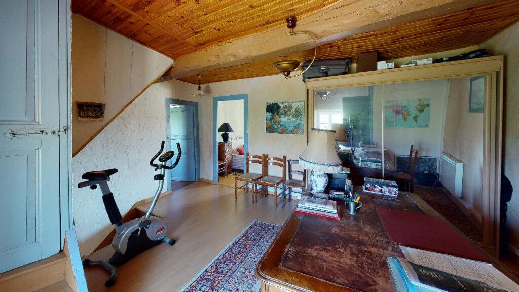 Maison à vendre 4 113m2 à Morestel vignette-7