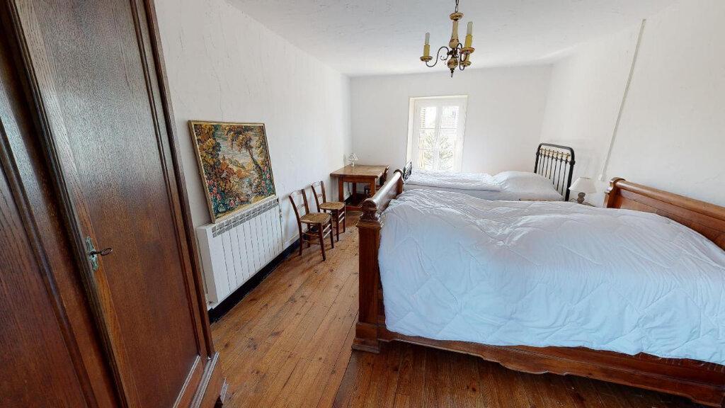 Maison à vendre 4 113m2 à Morestel vignette-8