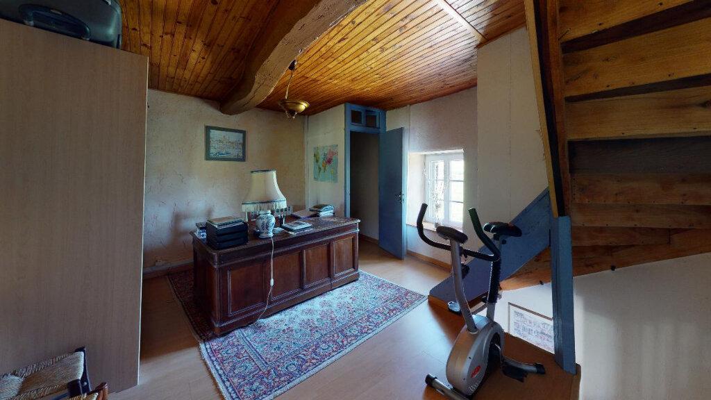 Maison à vendre 4 113m2 à Morestel vignette-9