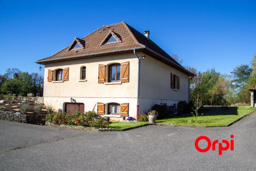 Maison à vendre 8 126m2 à Morestel vignette-3