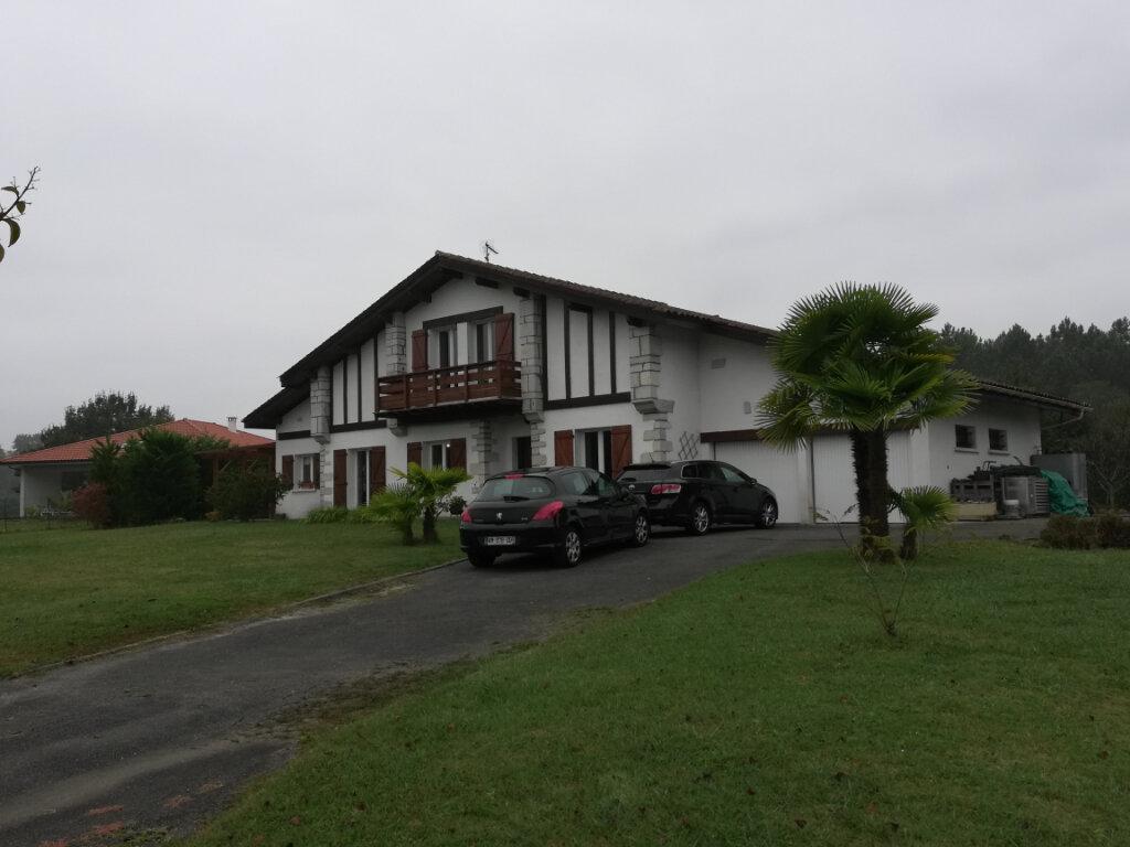 Maison à vendre 7 200m2 à Saint-André-de-Seignanx vignette-1