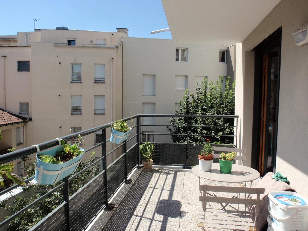 Appartement à vendre 3 63.18m2 à Lyon 3 vignette-1