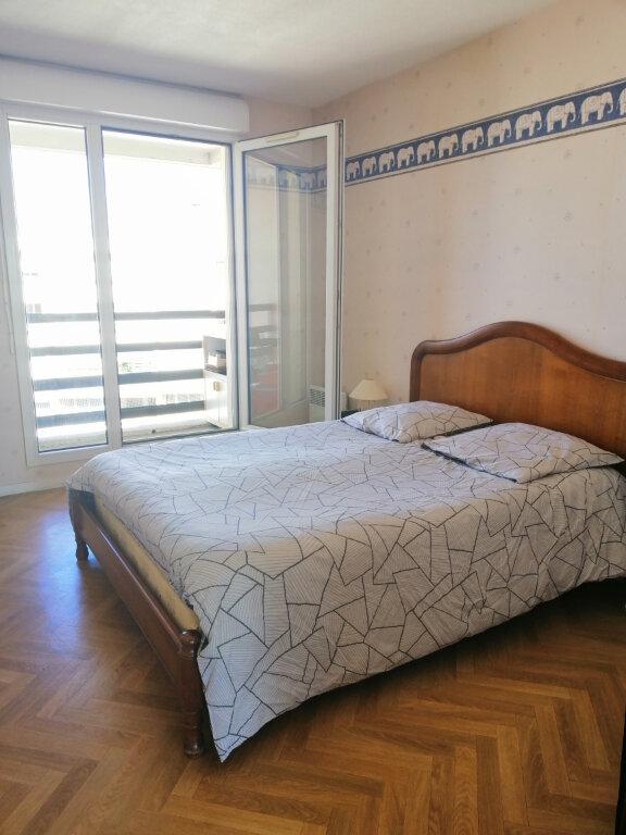 Appartement à vendre 4 86.73m2 à Villeurbanne vignette-7