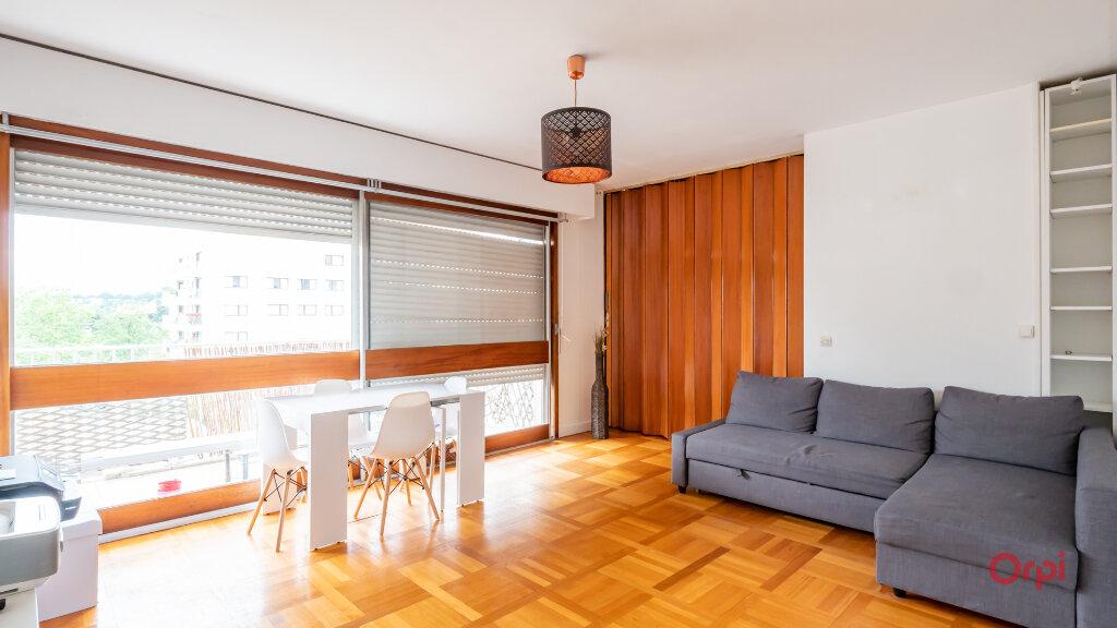 Appartement à louer 3 78m2 à Garches vignette-1