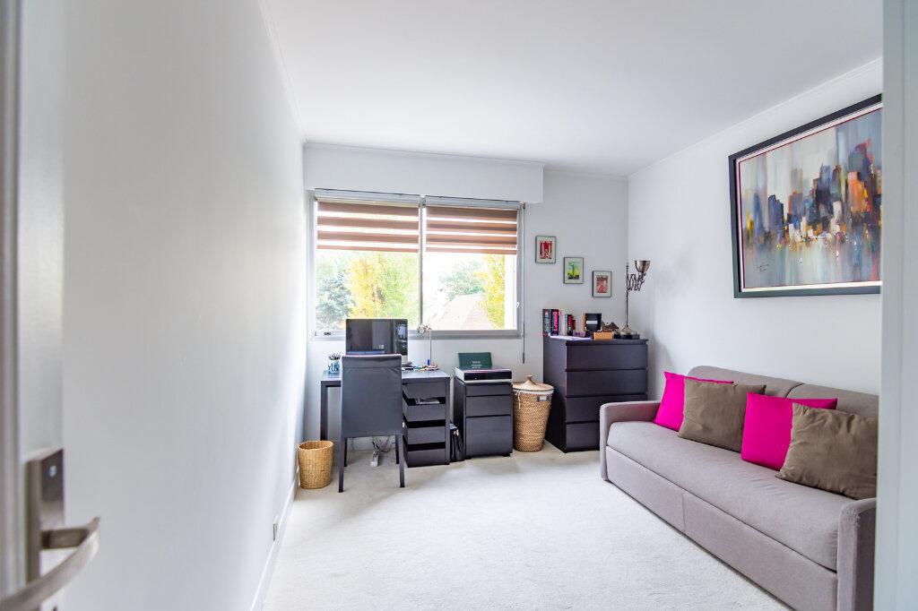 Appartement à louer 4 92.66m2 à Vaucresson vignette-5