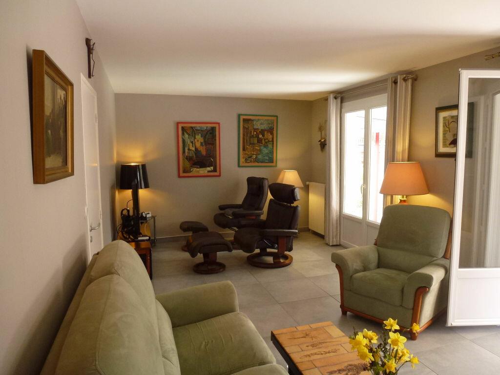 Maison à vendre 7 131.1m2 à Envermeu vignette-3