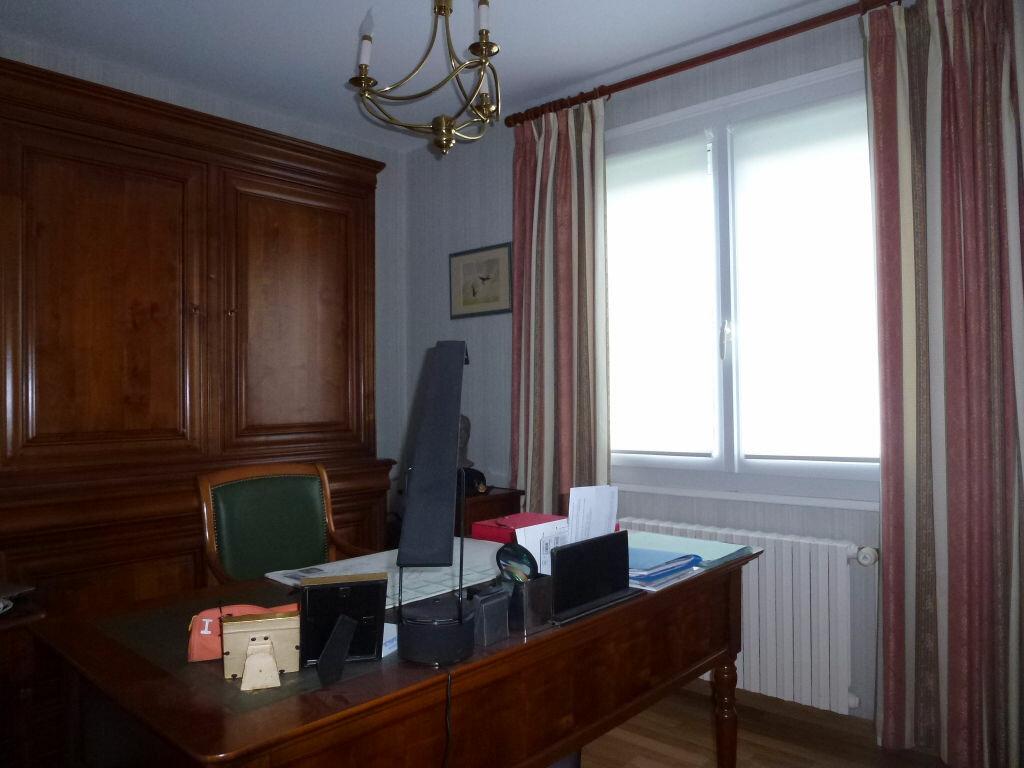 Maison à vendre 7 131.1m2 à Envermeu vignette-11