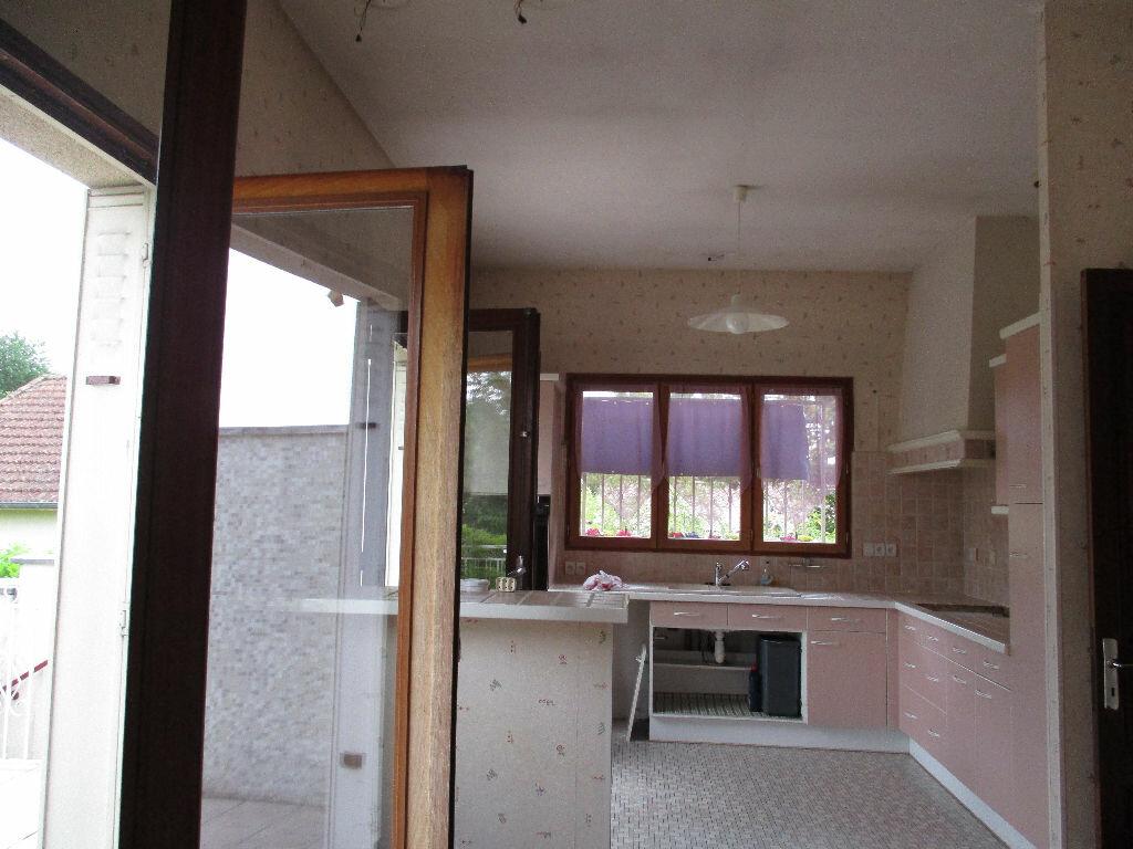 Maison à louer 6 197m2 à Cestas vignette-4