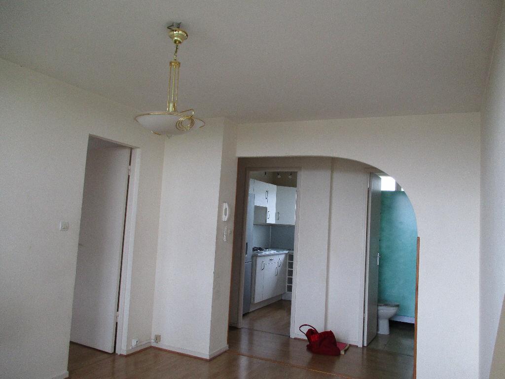 Appartement à louer 2 38m2 à Mérignac vignette-1