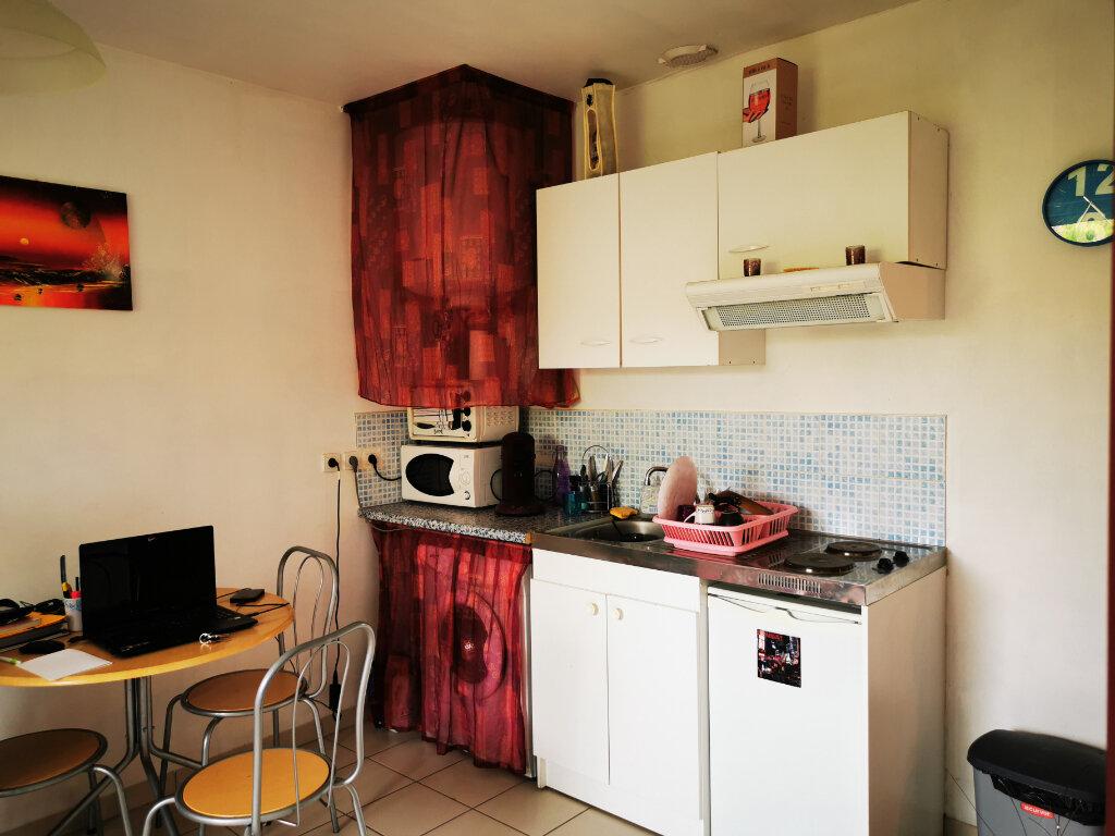 Appartement à louer 2 31m2 à Talence vignette-1