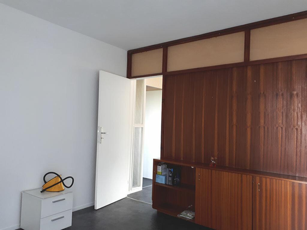 Appartement à louer 4 69m2 à Pessac vignette-3