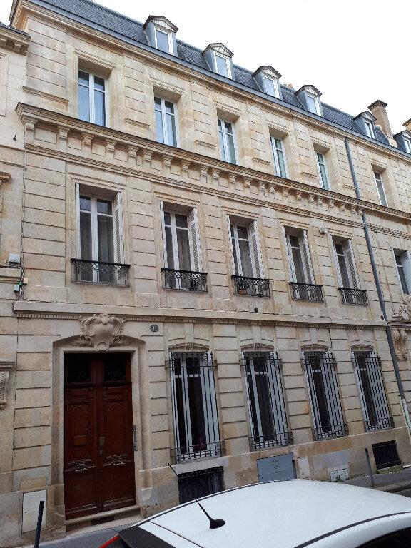 Appartement à louer 5 136m2 à Bordeaux vignette-1
