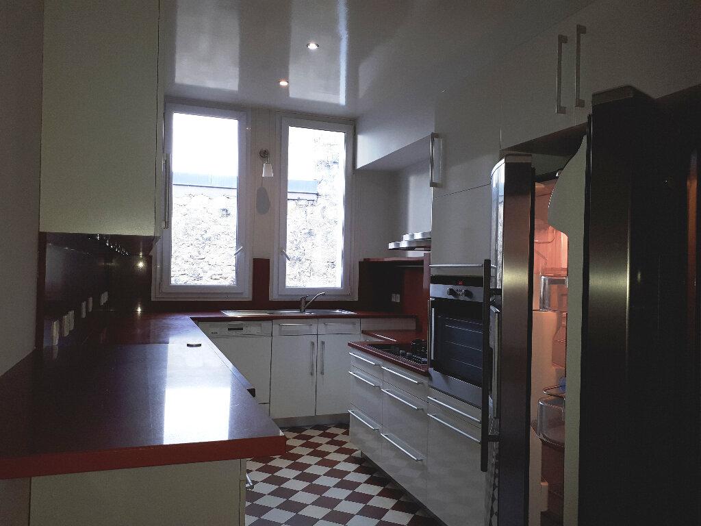 Appartement à louer 5 136m2 à Bordeaux vignette-7