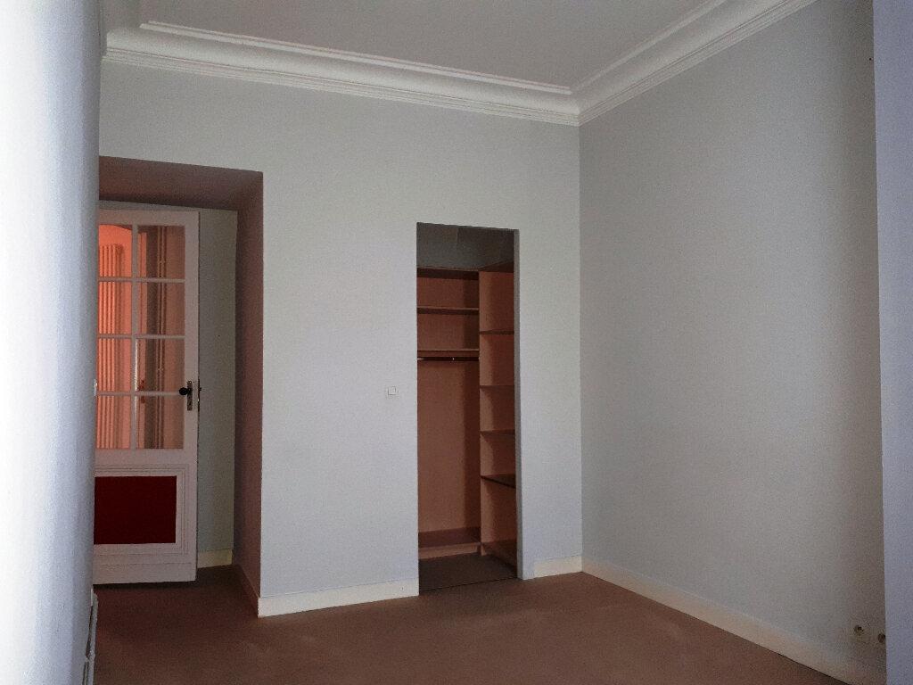 Appartement à louer 5 136m2 à Bordeaux vignette-9