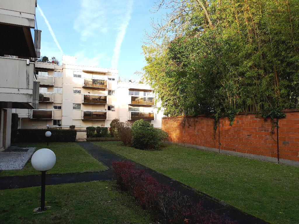 Appartement à louer 1 16m2 à Bordeaux vignette-1