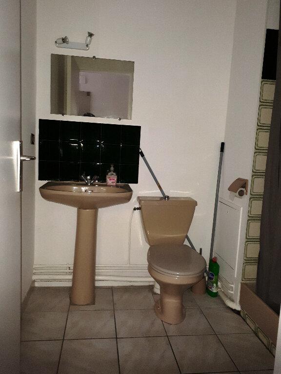 Appartement à louer 1 16m2 à Bordeaux vignette-3
