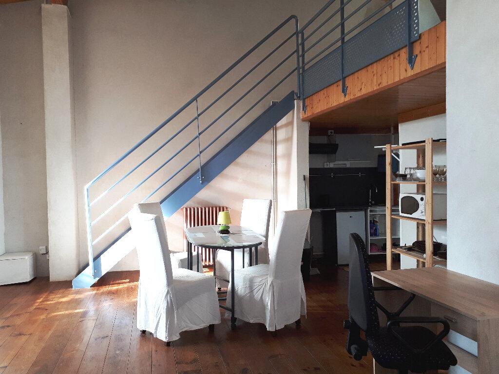 Appartement à louer 2 35m2 à Pessac vignette-2