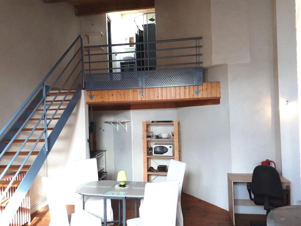 Appartement à louer 2 35m2 à Pessac vignette-3