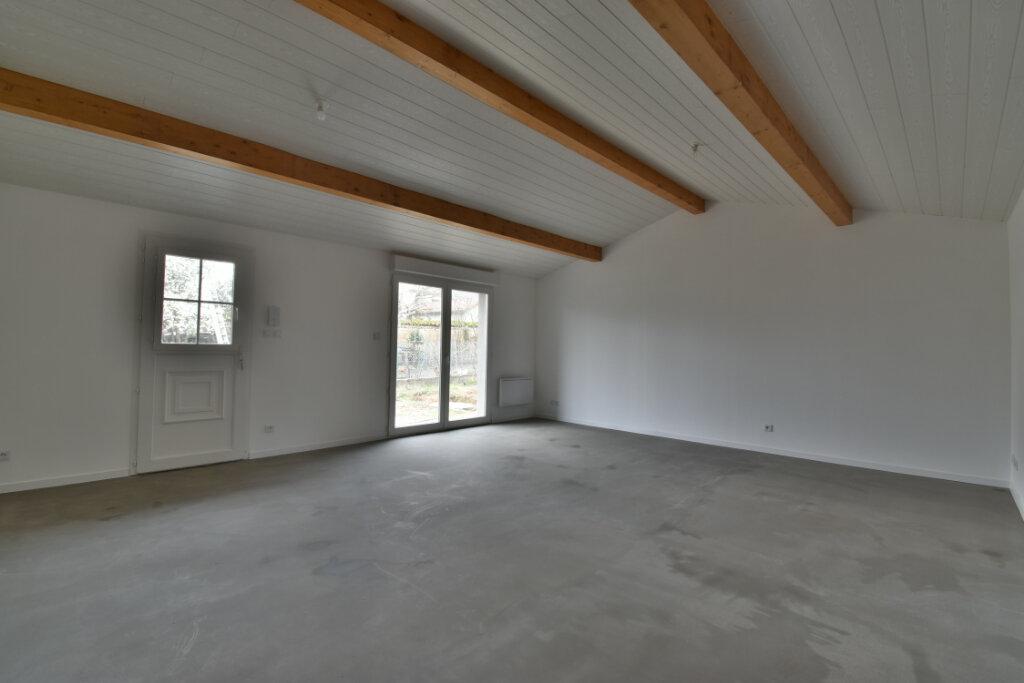 Appartement à louer 4 101m2 à Beynost vignette-3