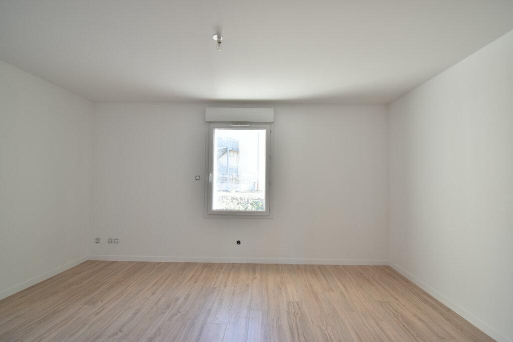 Maison à louer 4 112m2 à Béligneux vignette-4