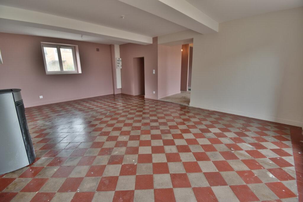 Maison à vendre 5 124.4m2 à Pusignan vignette-3