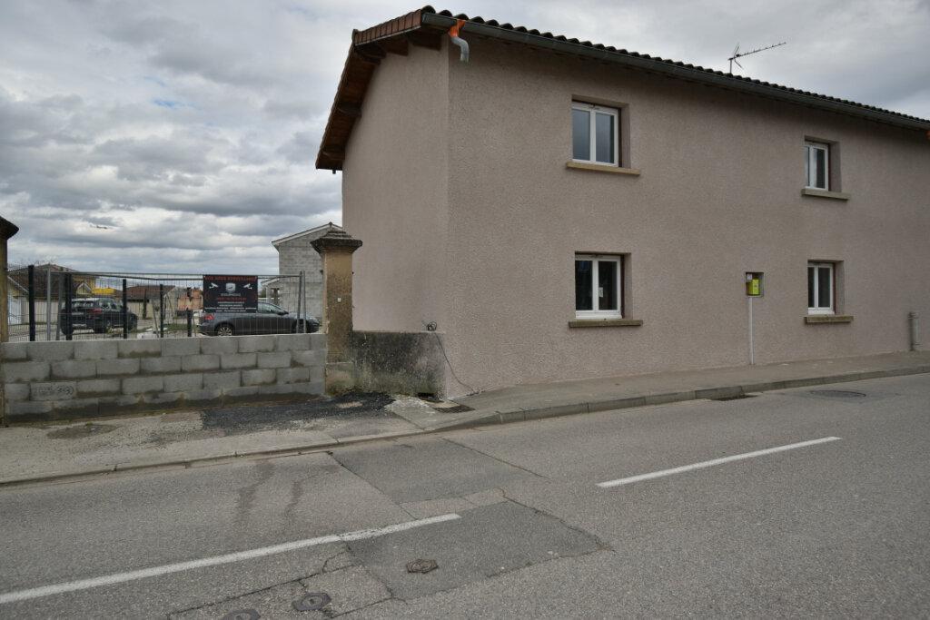 Maison à vendre 5 124.4m2 à Pusignan vignette-11