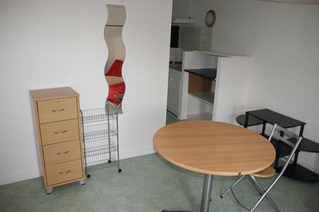 Appartement à louer 1 14m2 à Nancy vignette-2