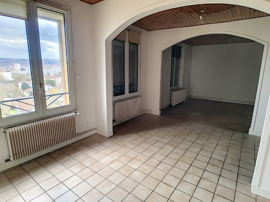 Appartement à louer 5 60m2 à Laxou vignette-1