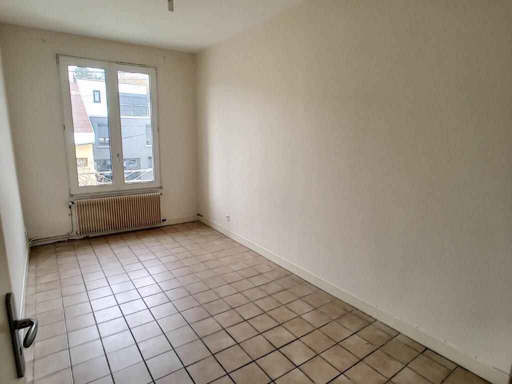 Appartement à louer 5 60m2 à Laxou vignette-4