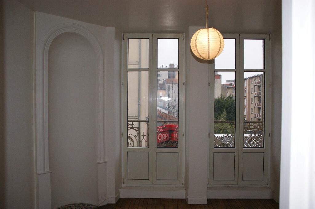 Appartement à louer 3 51.54m2 à Nancy vignette-2
